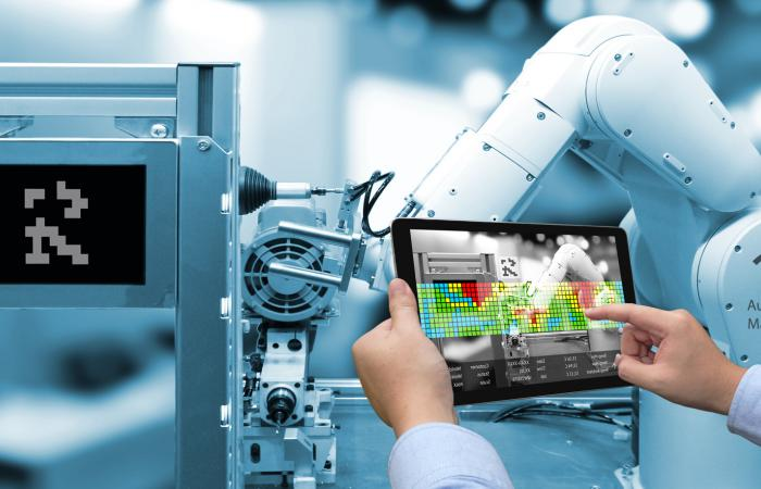 Augmented Reality for Industrial Products Maintenance